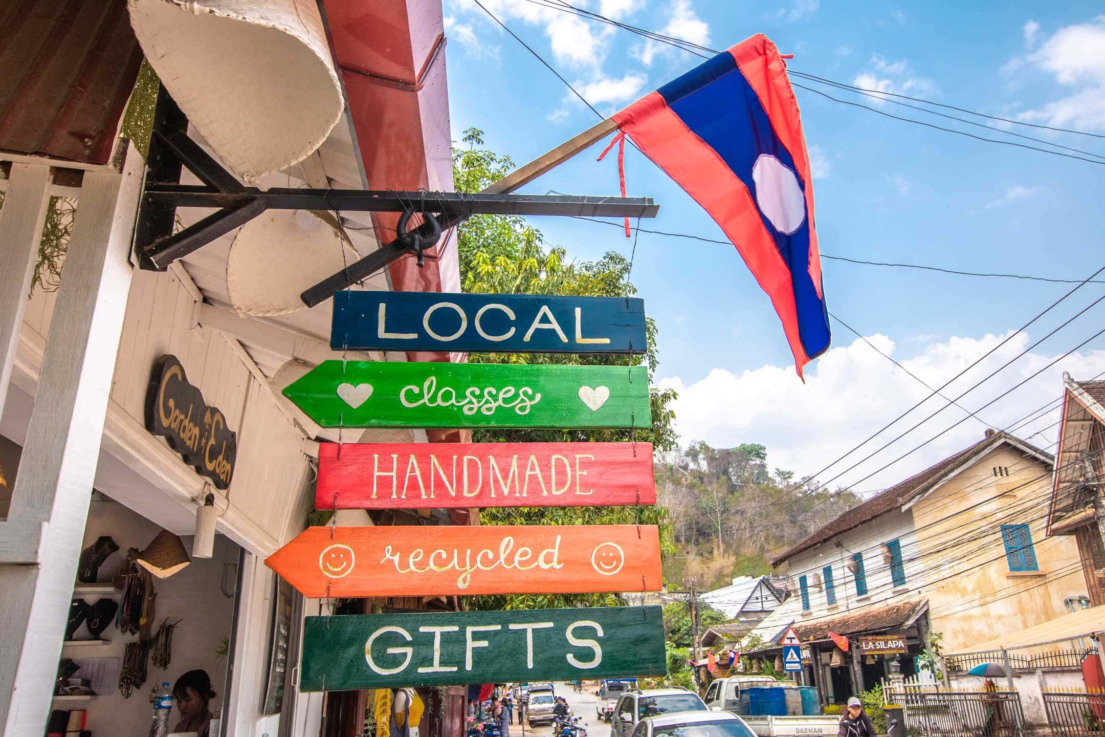 laos-souvenirs