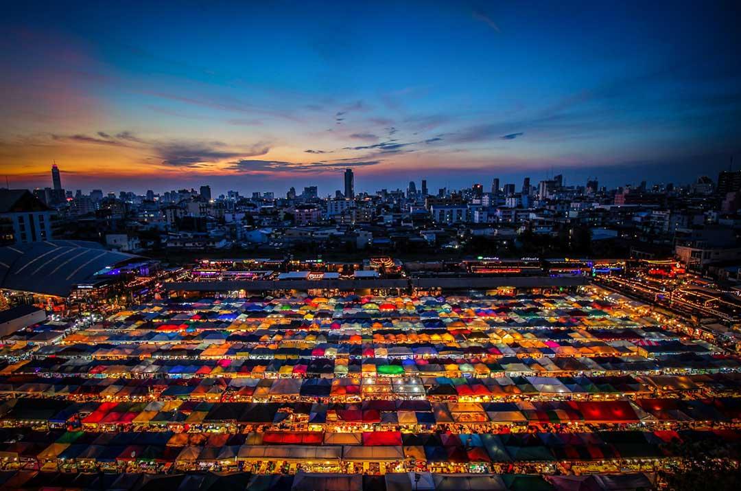 talat-rod-fai-market