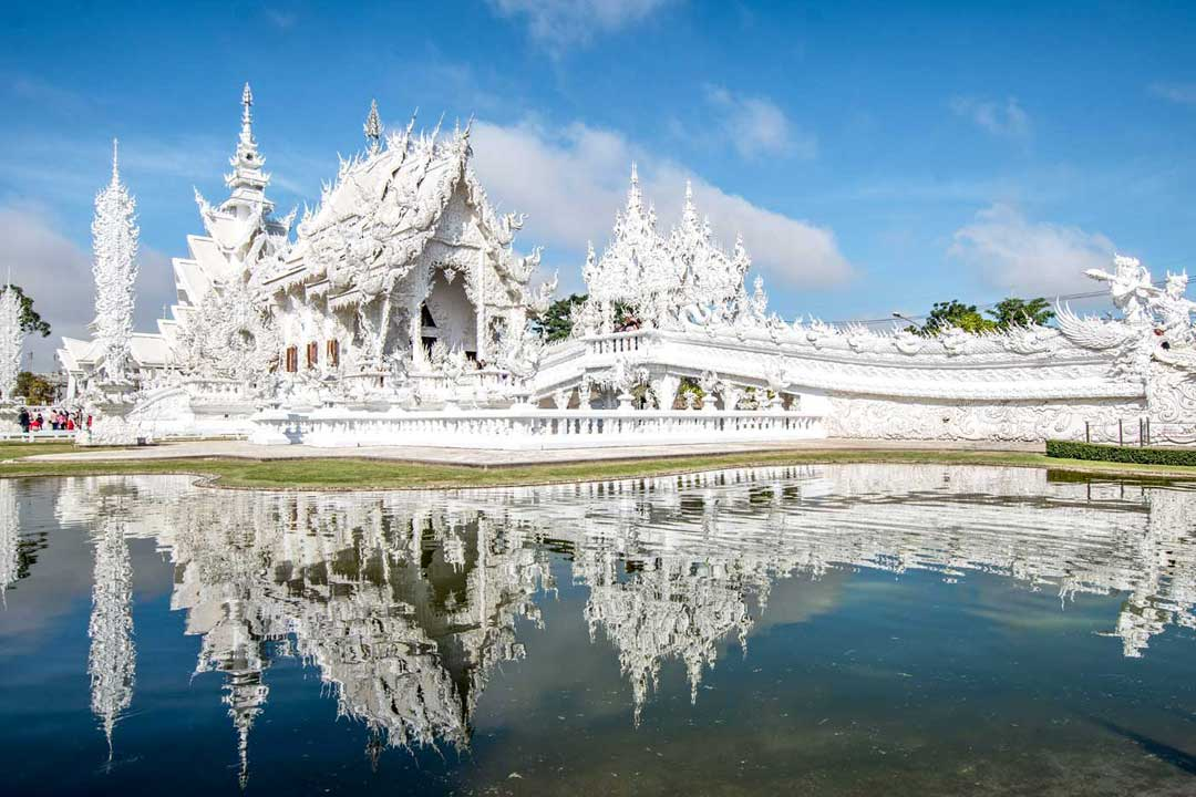 thailand-landmarks-white-temple-of-chiang-rai-photo