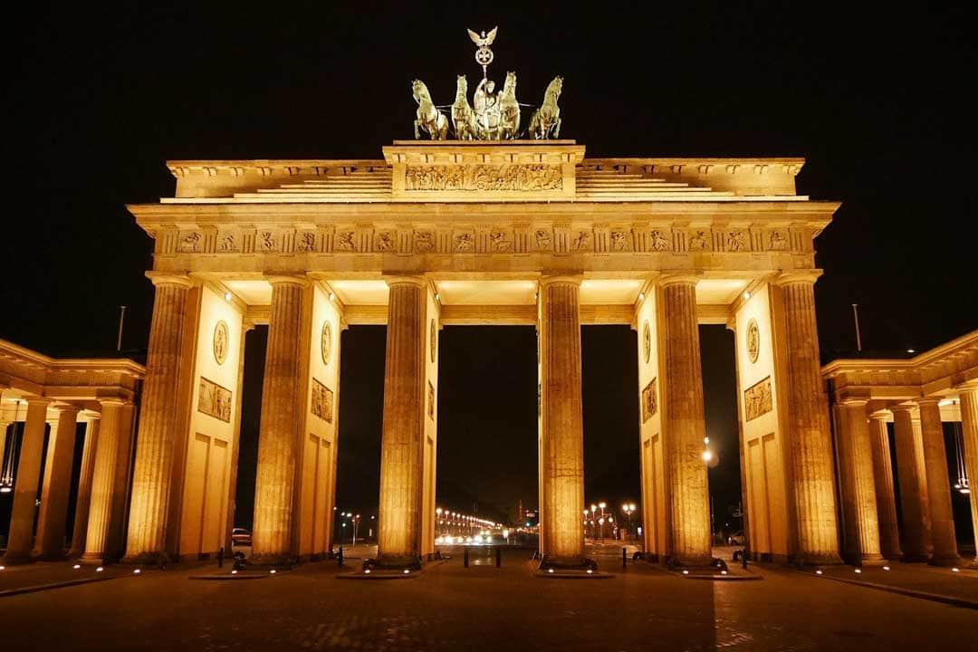 illuminated-brandenburg-gate
