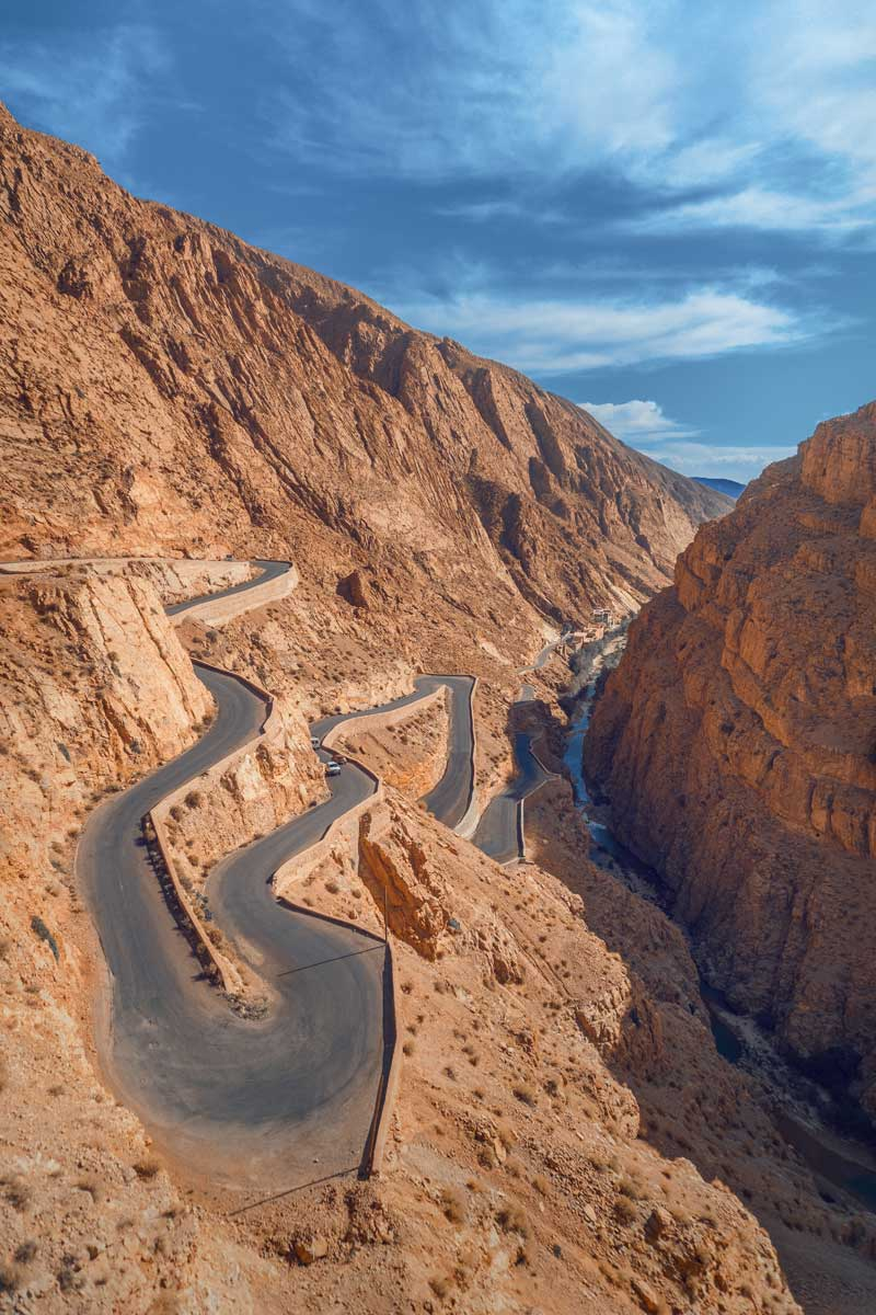 snake-road-in-the-atlas-mountains