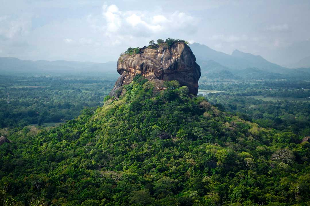 asian-landmarks-sigiriya-fortress