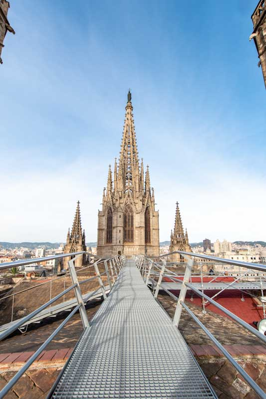 barcelona-cathedral-rooftop