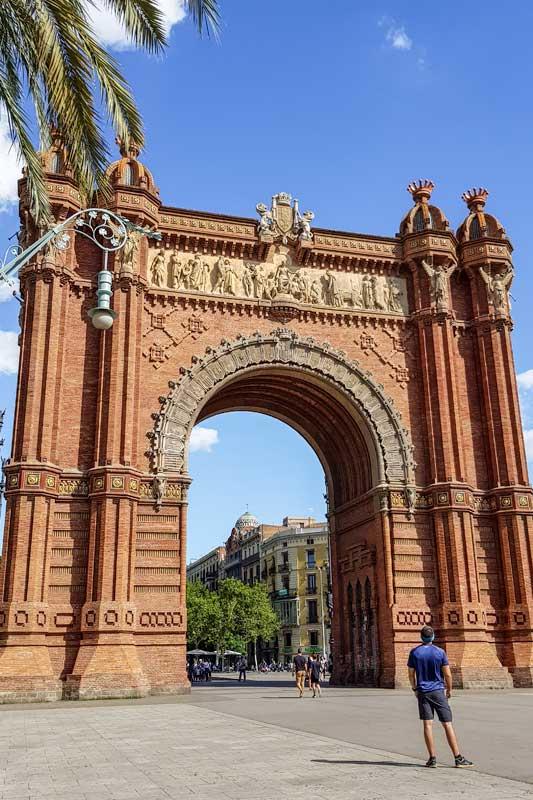 barcelona-itinerary-barcelona-arc