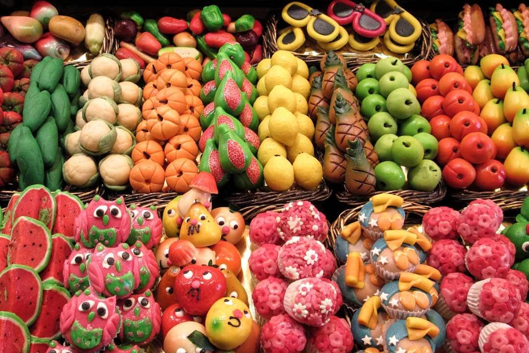 candies-in-barcelona-market