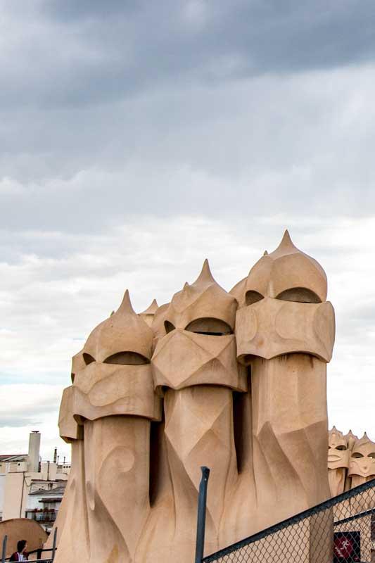 casa-mila-rooftop-statue
