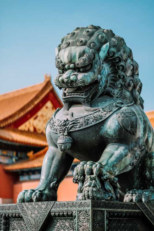 guardian-lion-statue-in-front-of-the-forbidden-city-in-china