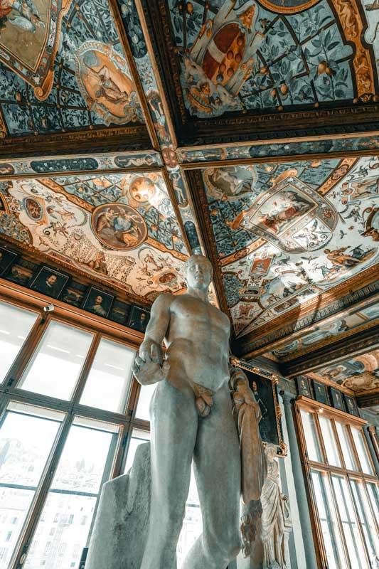 uffizi-gallery-interior