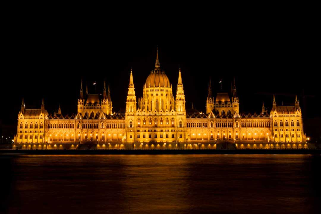 2-weeks-in-europe---budapest-parliament
