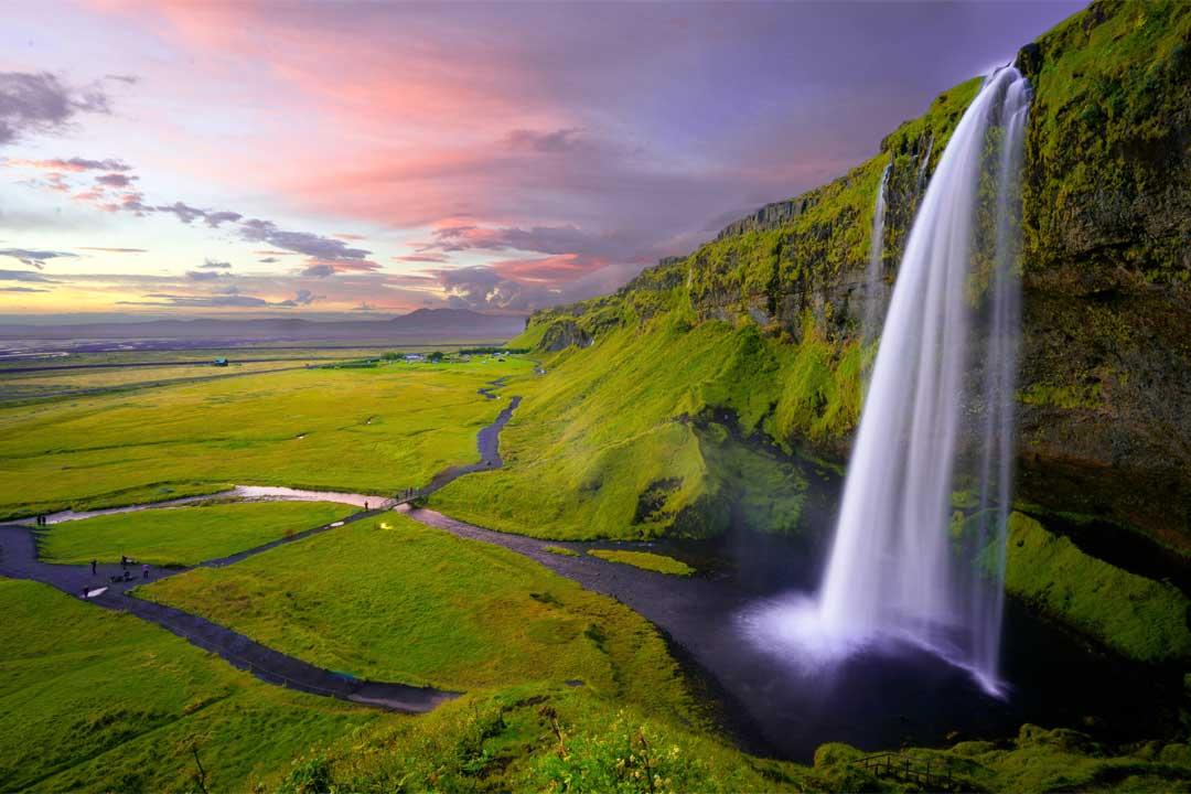 beautiful-waterfall-in-iceland