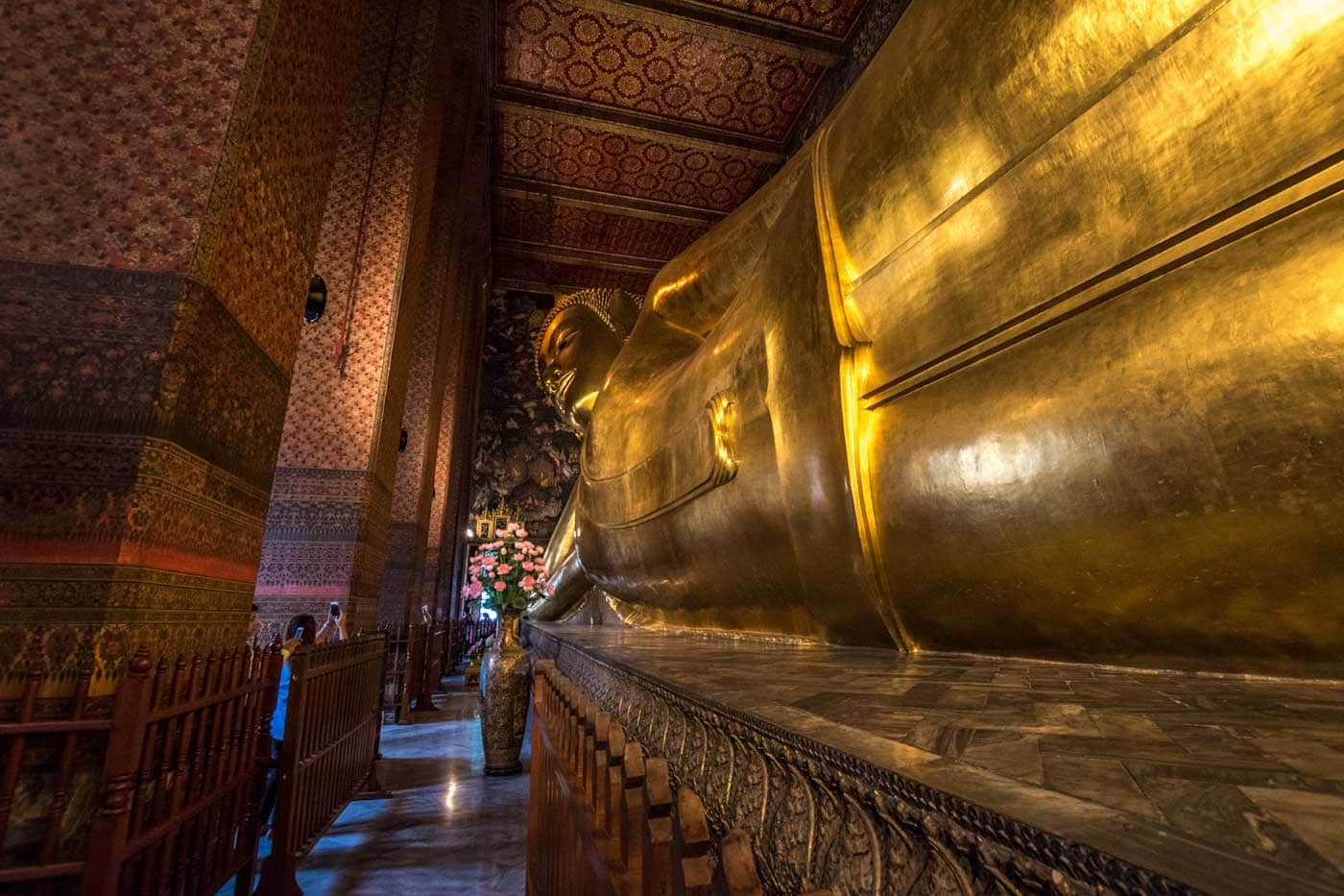 reclined buddha in bangkok