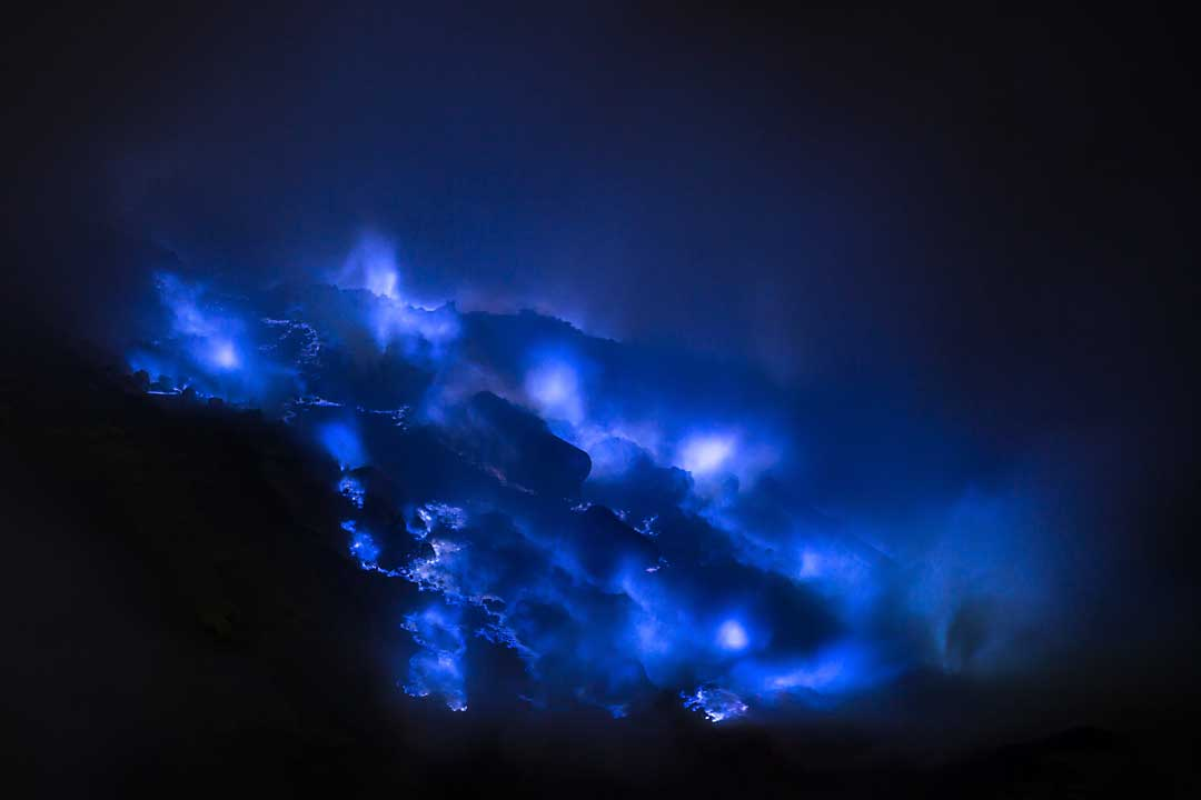 blue-fires-of-ijen