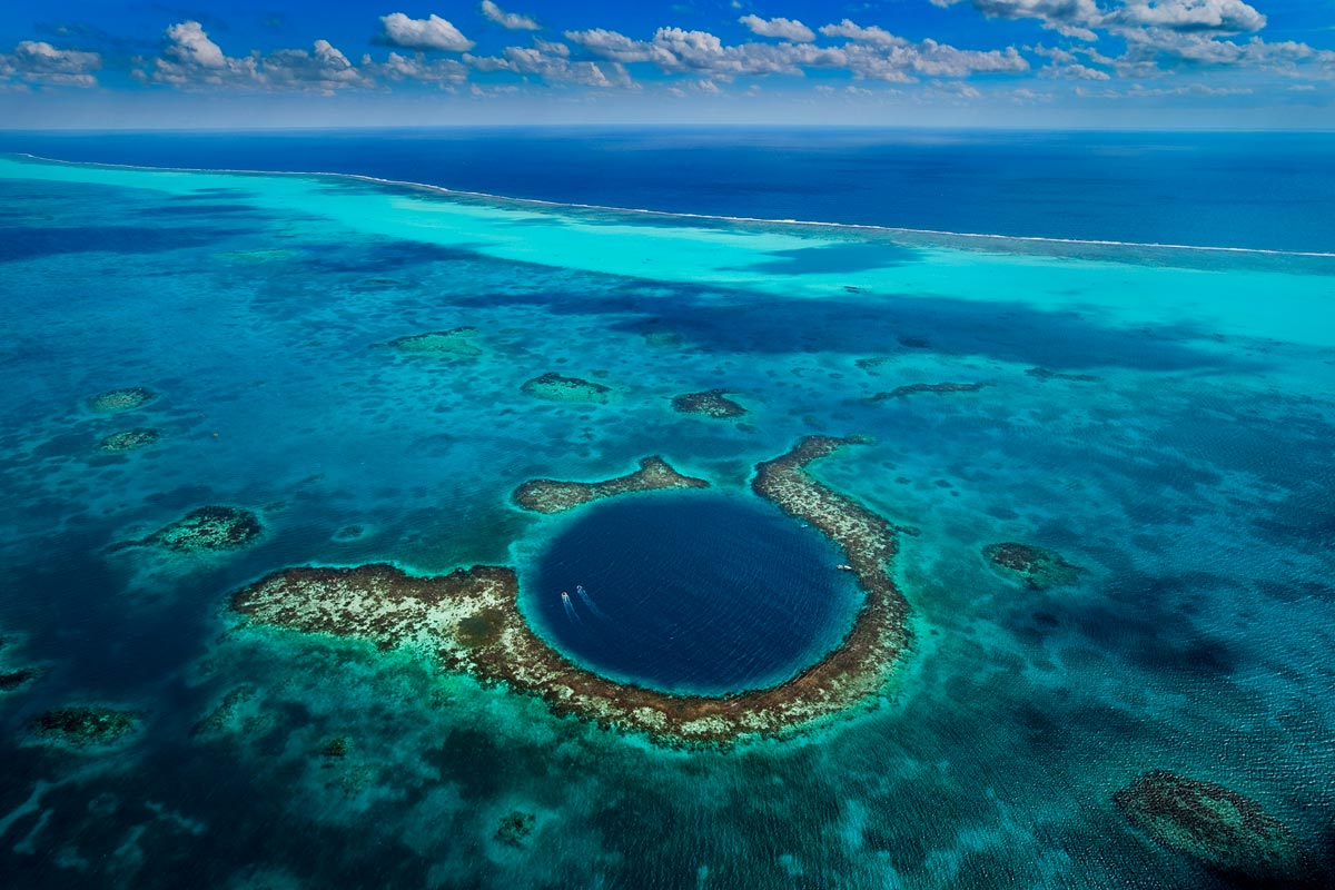 blue-whole-in-belize-from-above