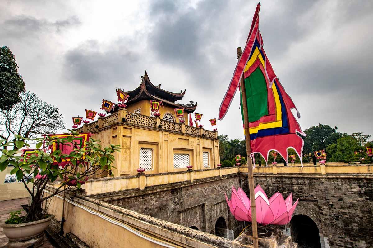 hanoi bucket list - visit the citadel