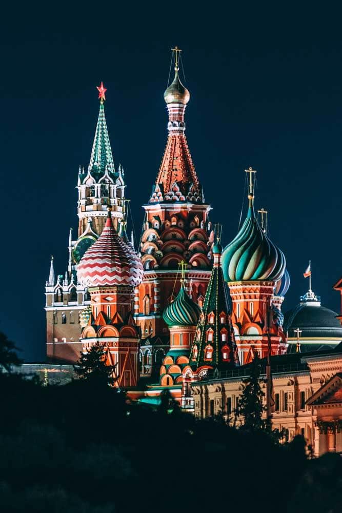 russian-basilica-at-night