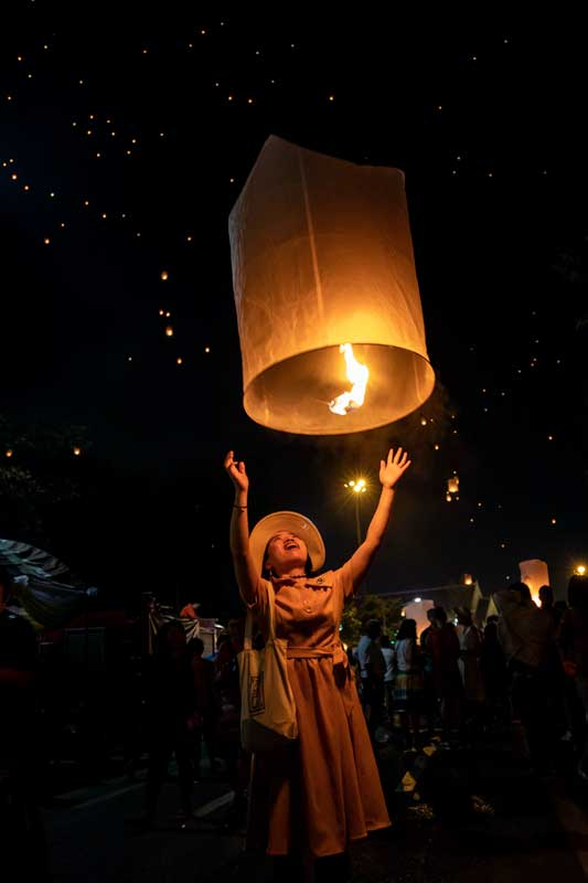 southeast-asia-bucket-list-celebrate-lio-krathong