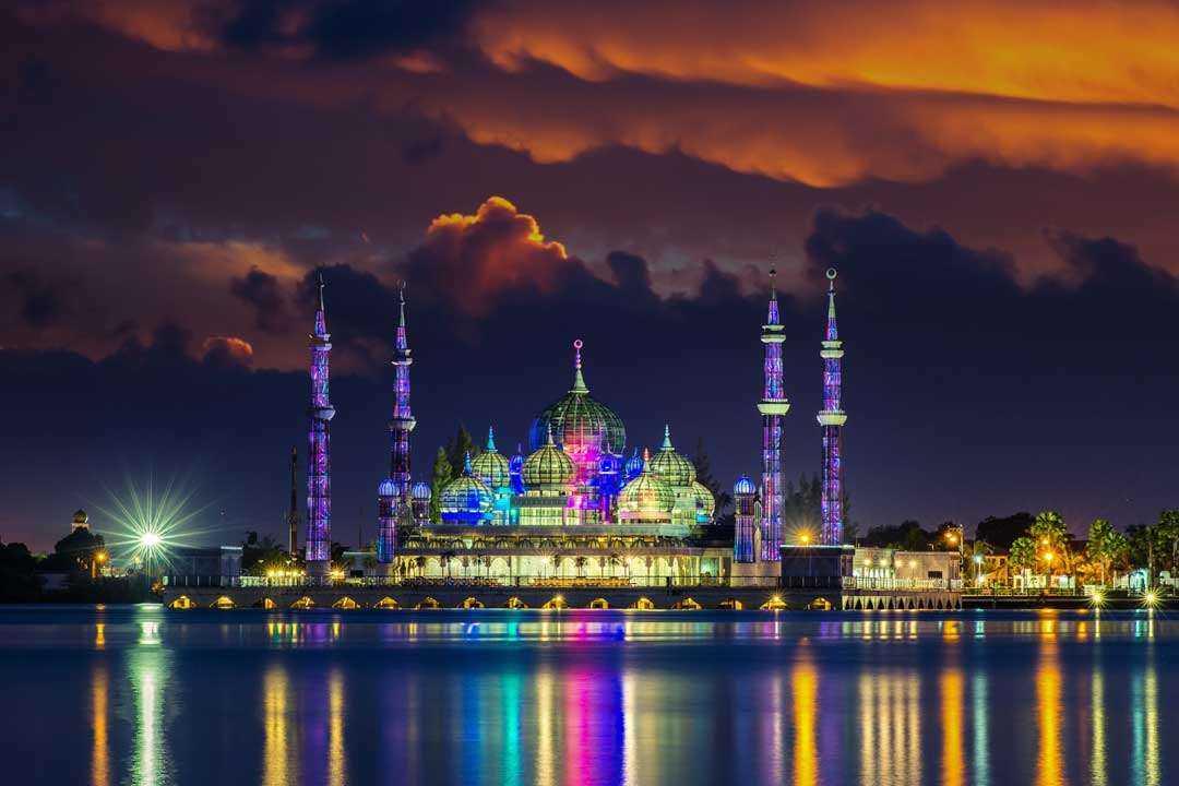 southeast-asia-bucket-list-crystal-mosque