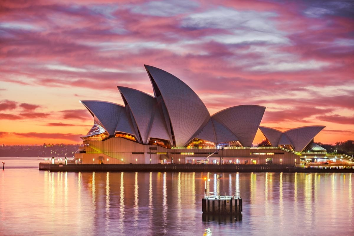 the-opera-in-sydney-at-sunset