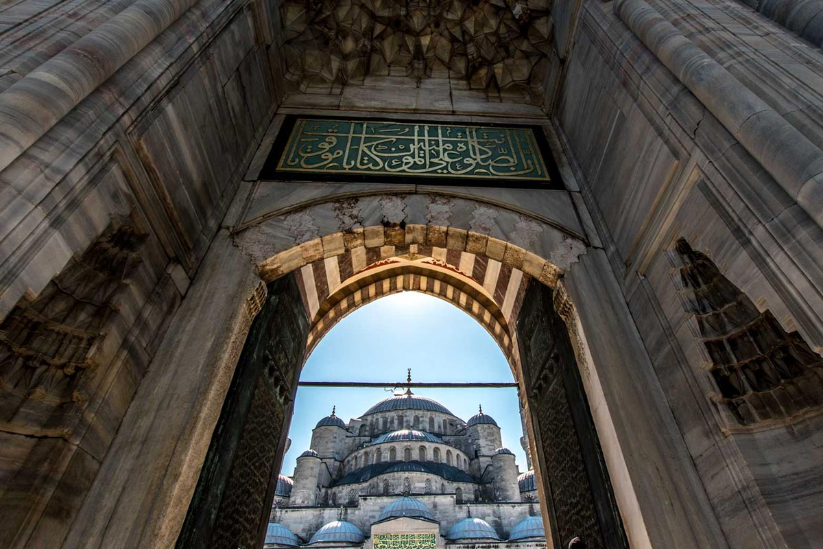 travel-bucket-list-blue-mosque-in-instanbul