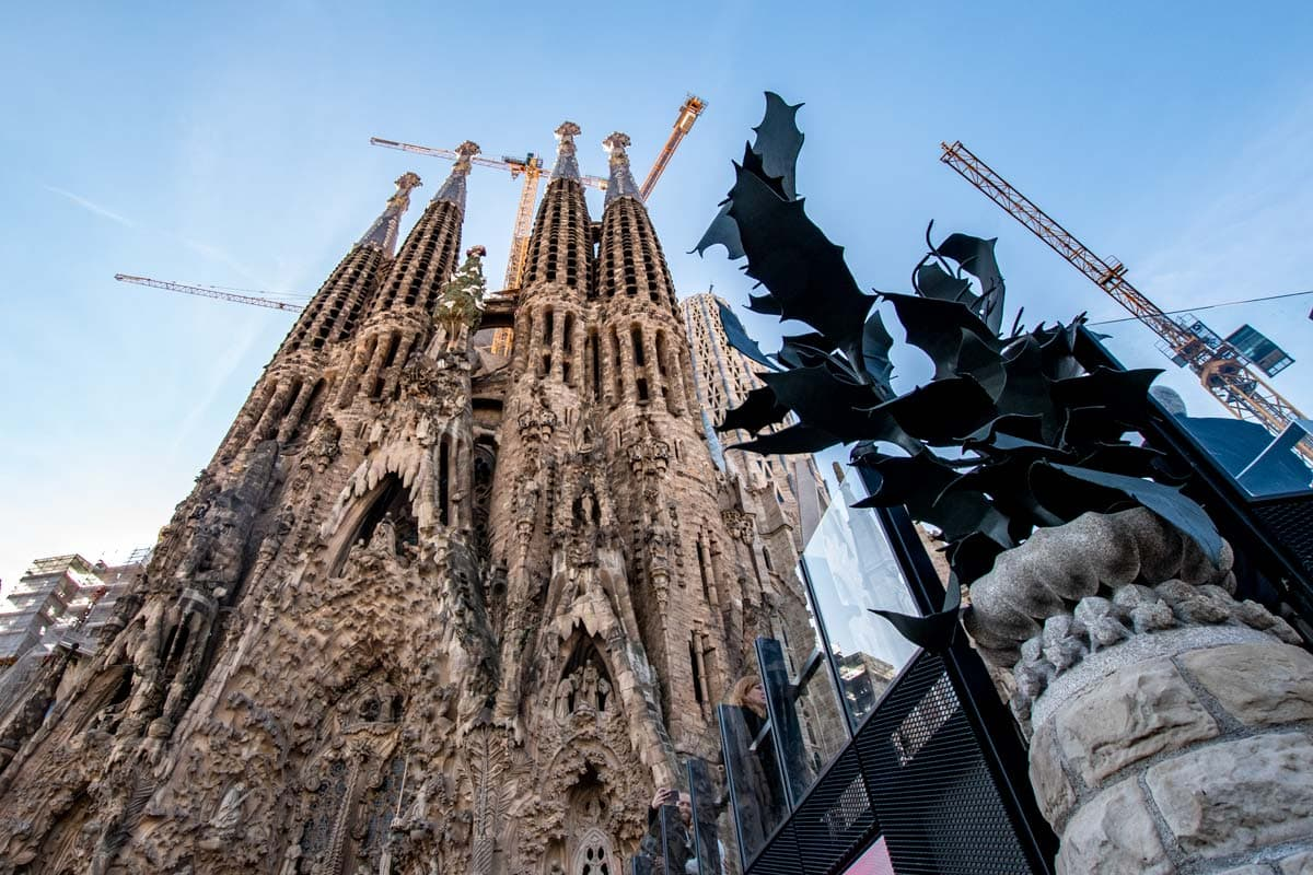 travel-bucket-list-sagrada-familia-in-barcelona