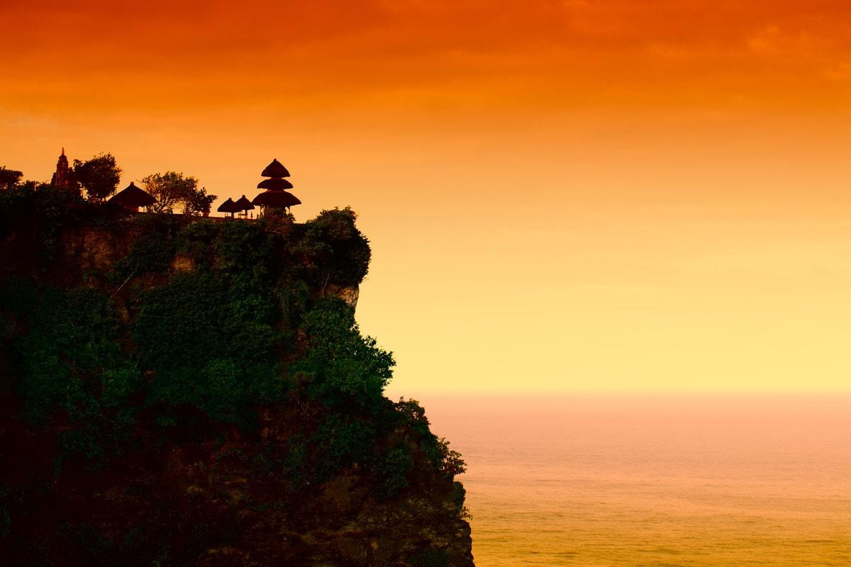 uluwatu-temple-at-sunset