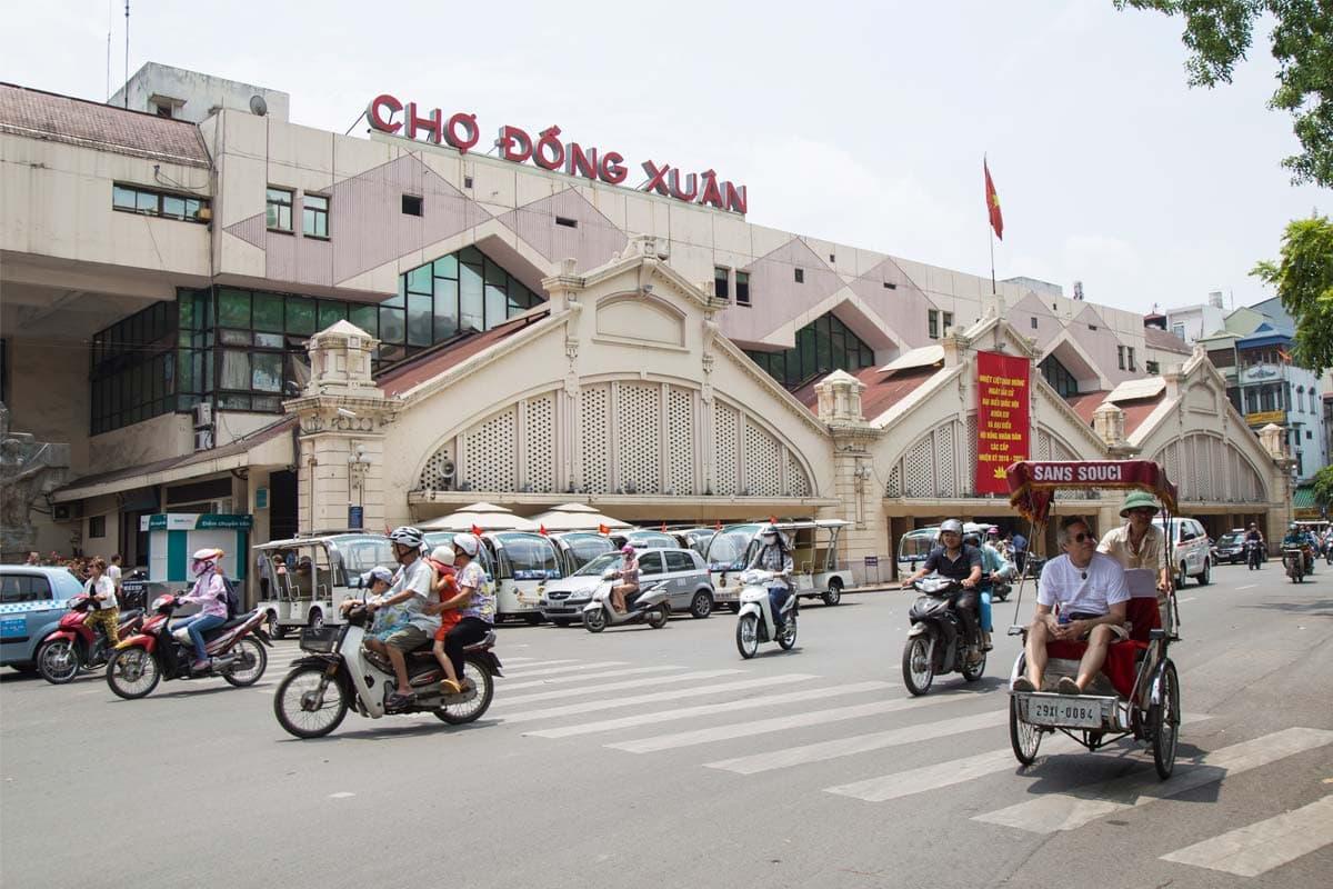 hanoi-bucket-list-dong-xuan-market