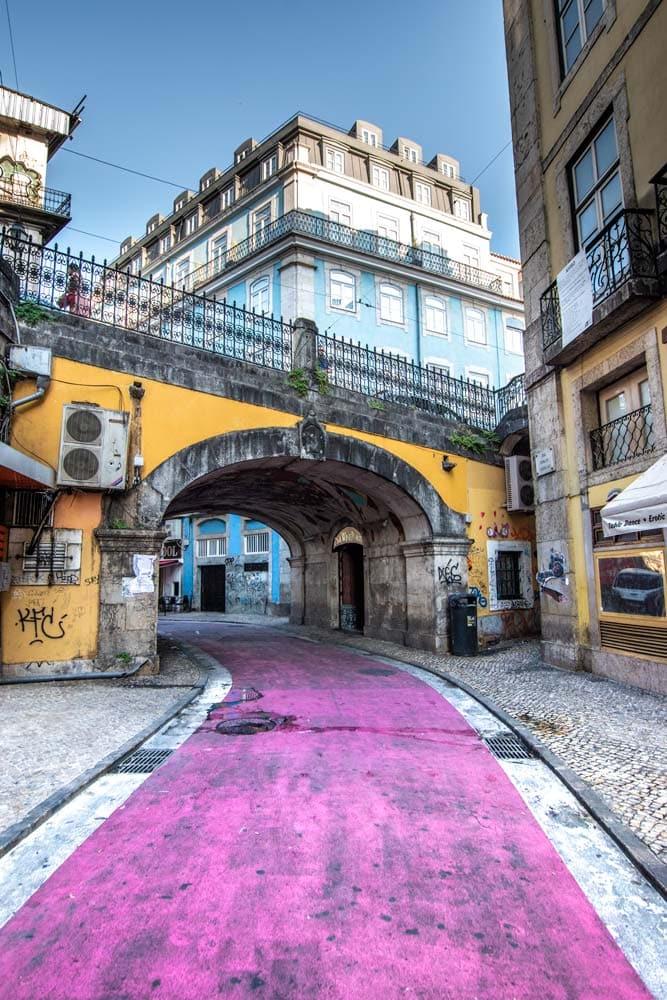 lisbon-bucket-list-pink-street