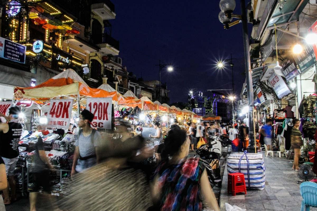 night-market-in-hanoi-vietnam