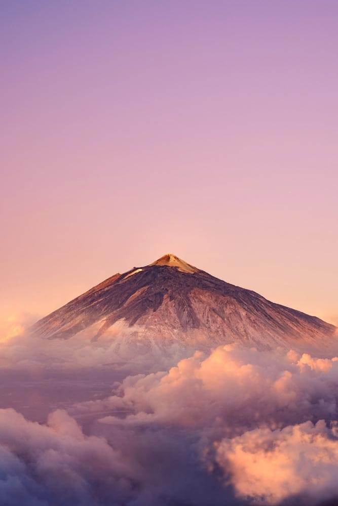facts-about-spain-mount-tiede-on-a-pink-sky