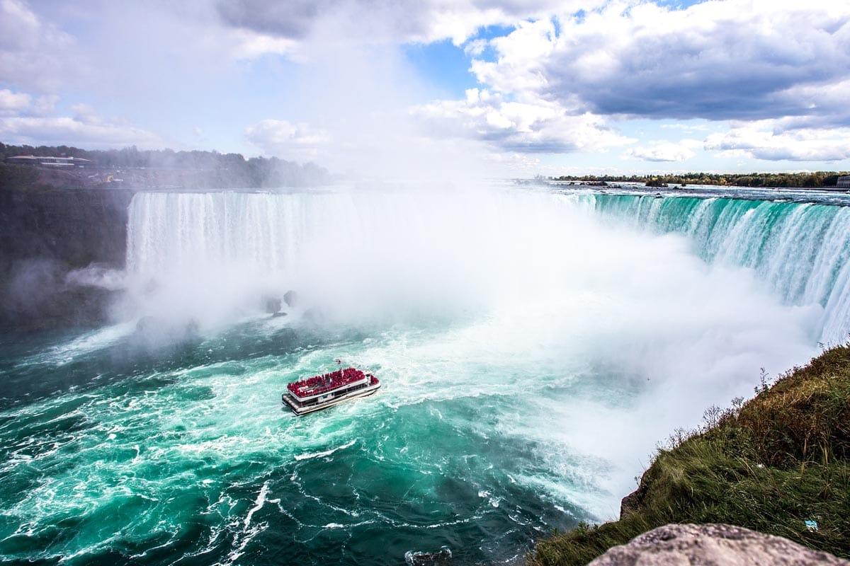 landmarks-in-north-america-niagara-falls
