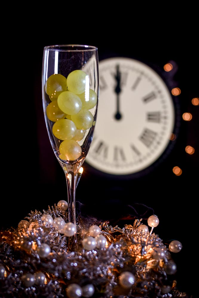new-years-grapes-in-a-glass