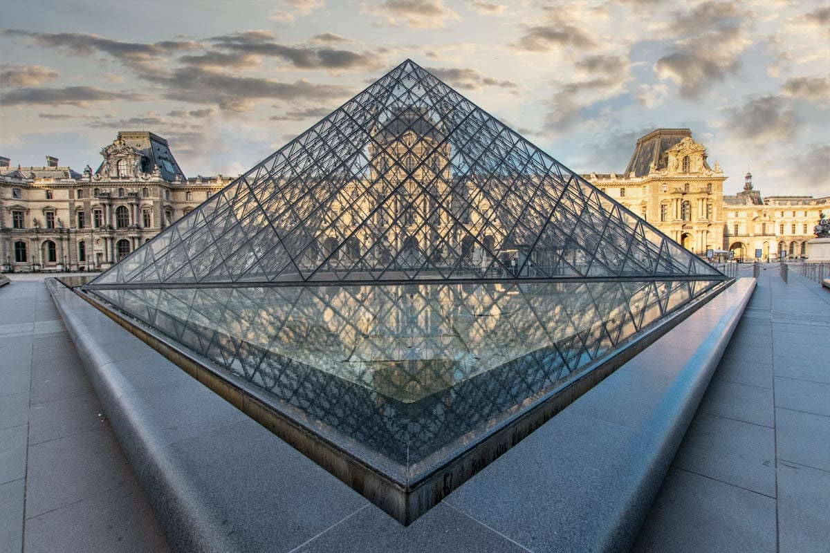 paris-facts-louvre-glass-pyramid
