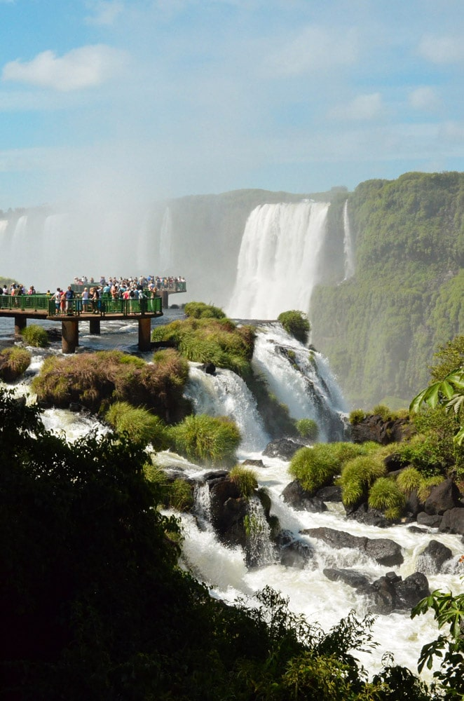landmarks-in-south-america-iguazu-falls