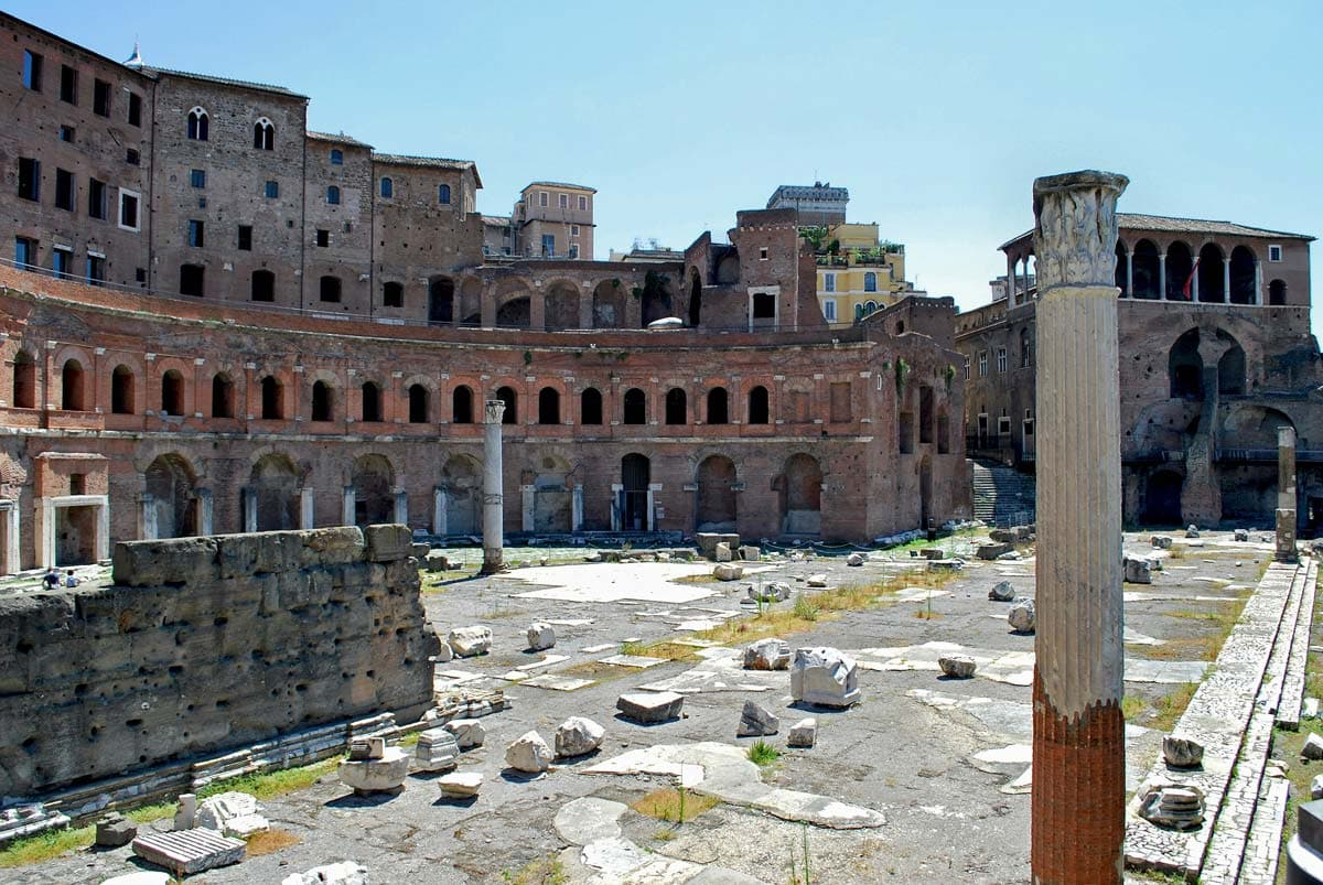 ruins-of-the-first-roman-mall