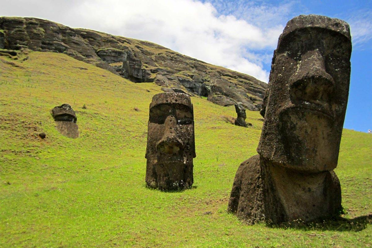 south-american-landmarks-easter-island