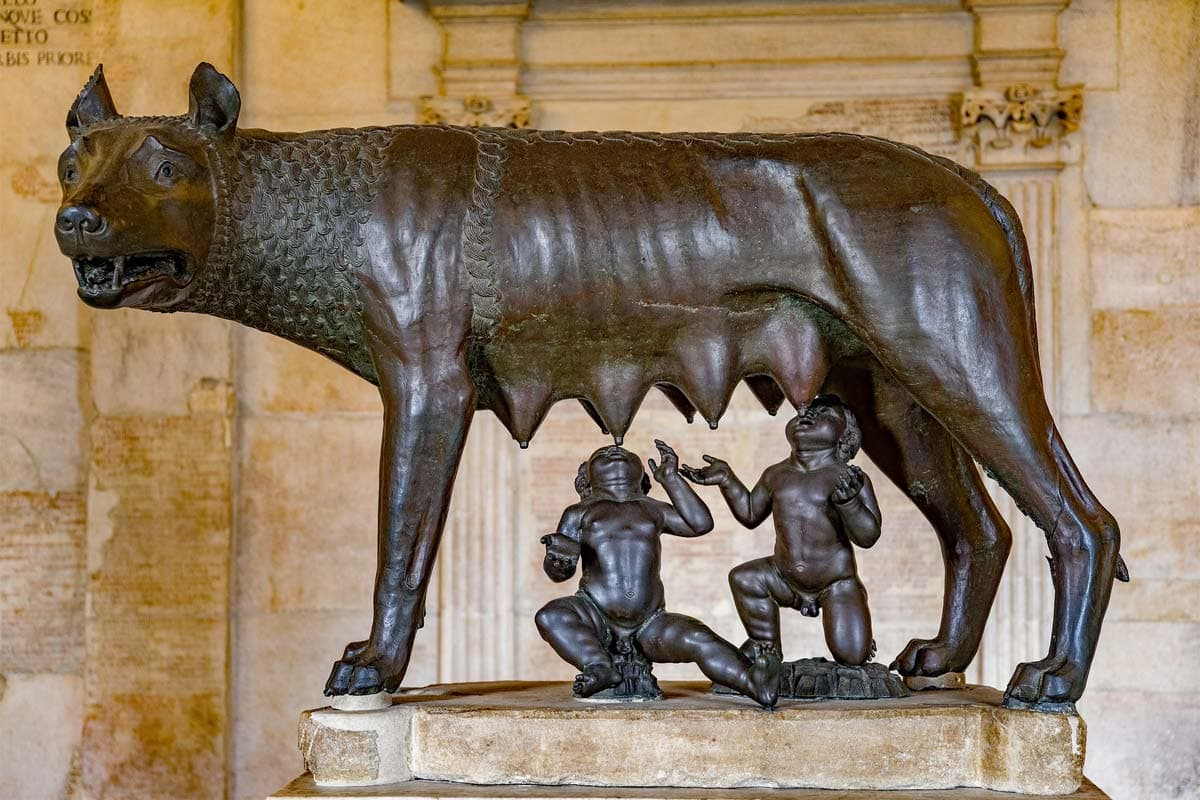 wolf-statue-with-roman-founders