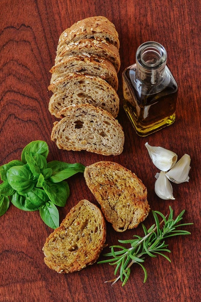 italy-facts-overtable-view-of-sliced-bread-and-olive-oil