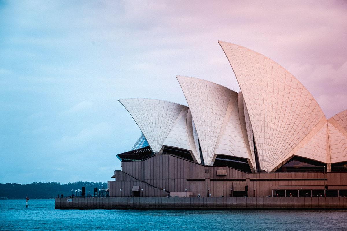 landmarks-in-oceania-sydney-opera-house-on-sunrise