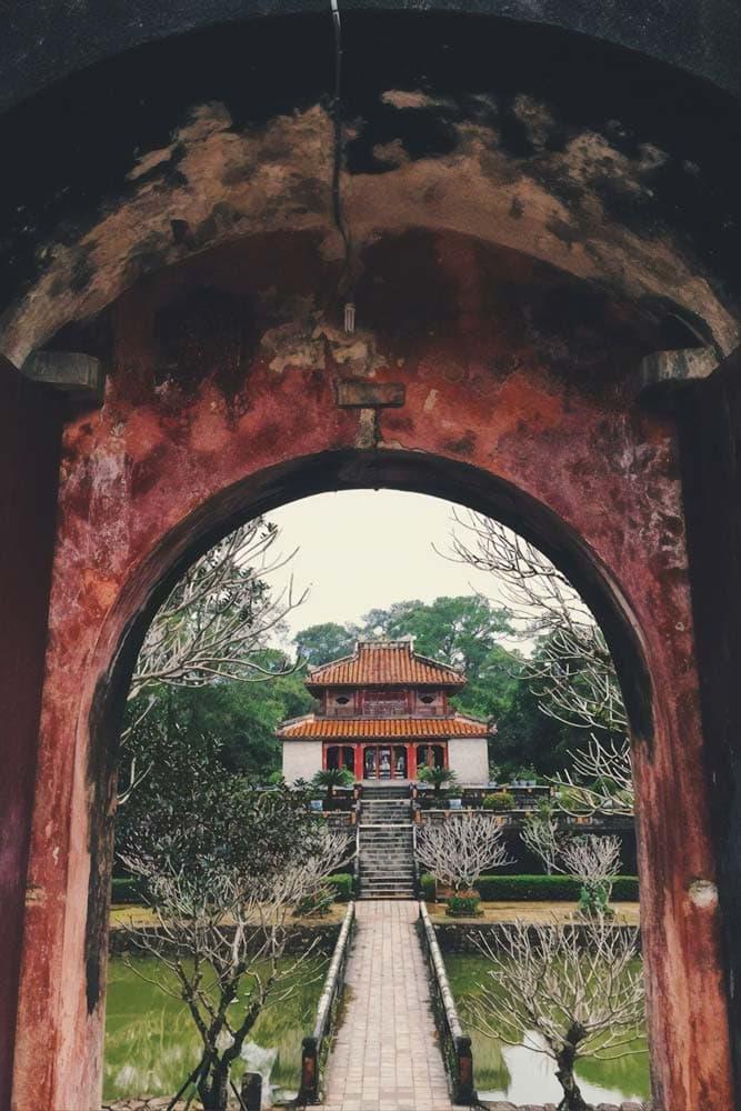 landmarks-in-vietnam-imperial-city-hue