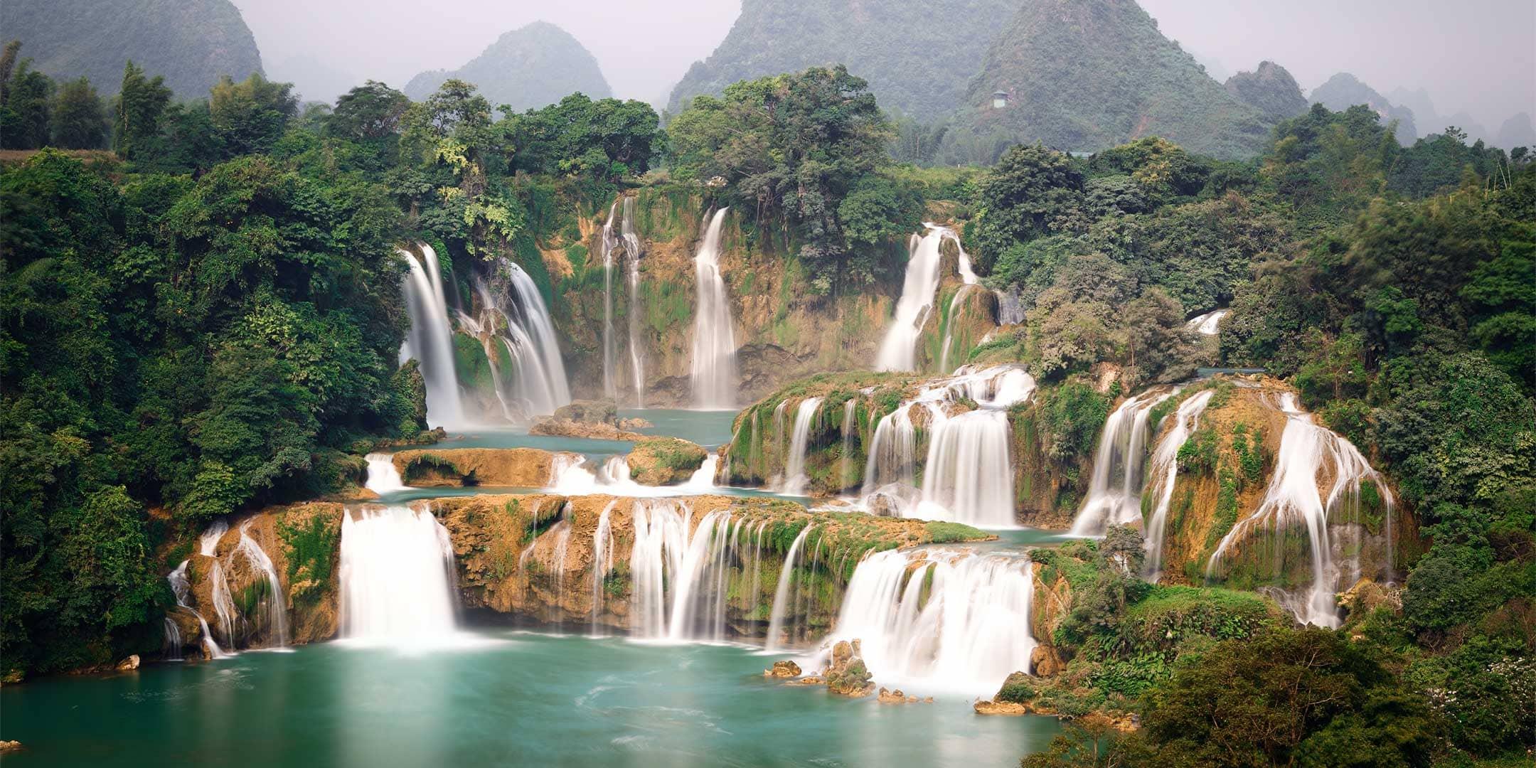 Top 20 Biggest Landmarks in Vietnam