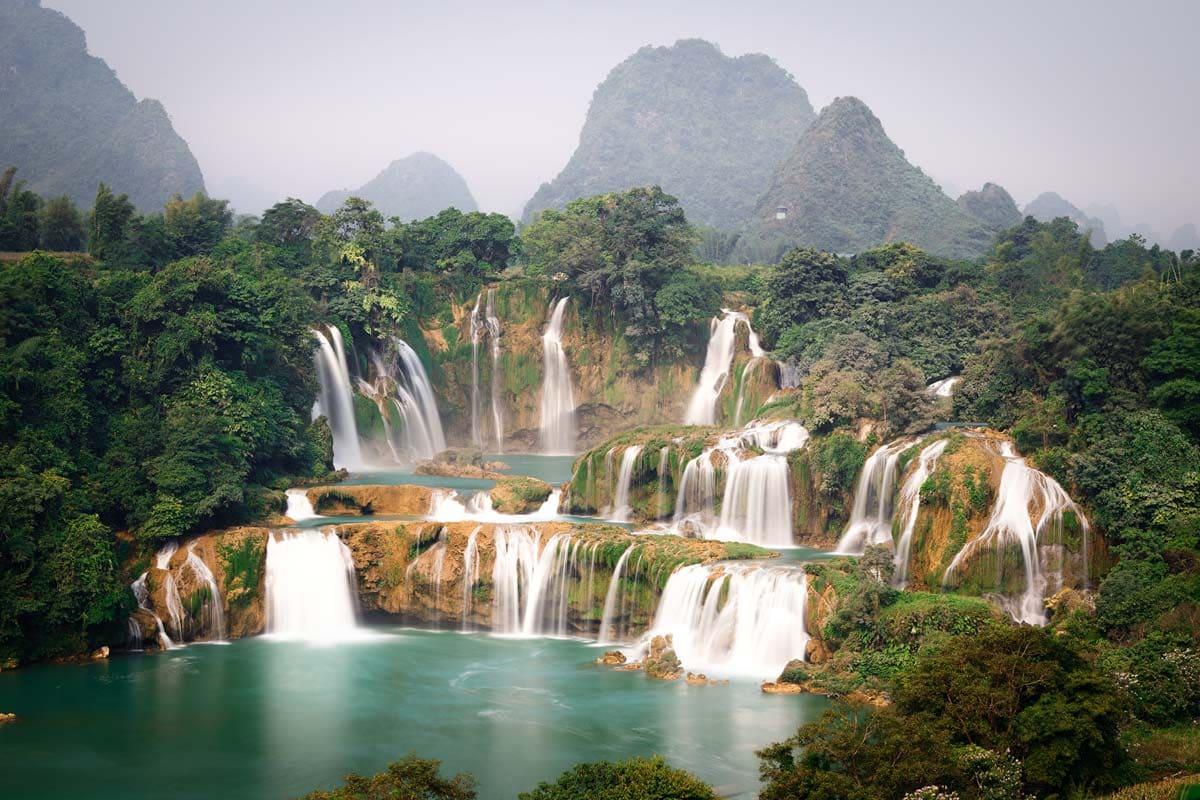 vietnam-landmarks-largest-waterfall-in-asia
