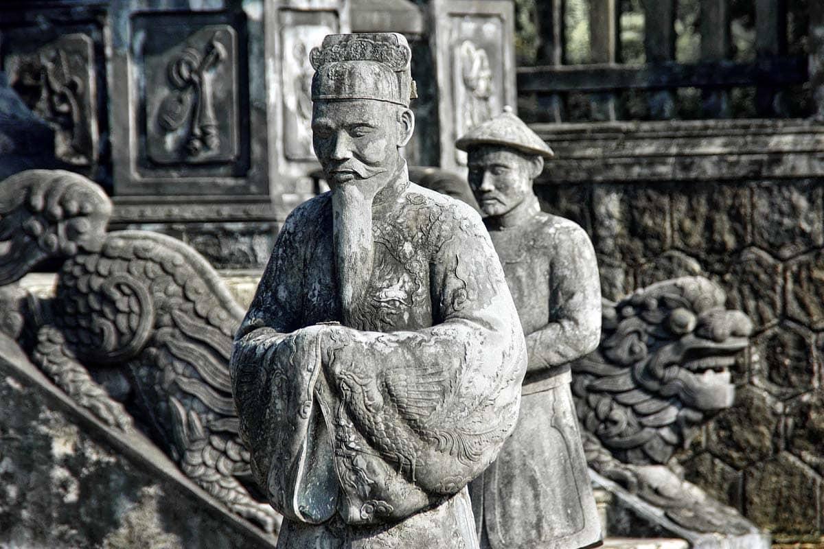 vietnam-landmarks-well-made-monument-of-an-asian-man