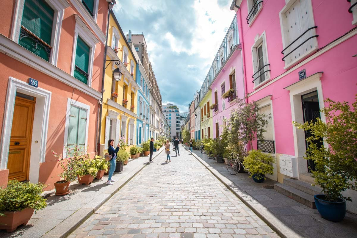 colorful-houses-of-rue-cremieux