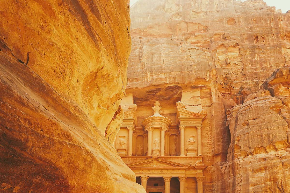 petra-treasury-lighted-by-the-sun