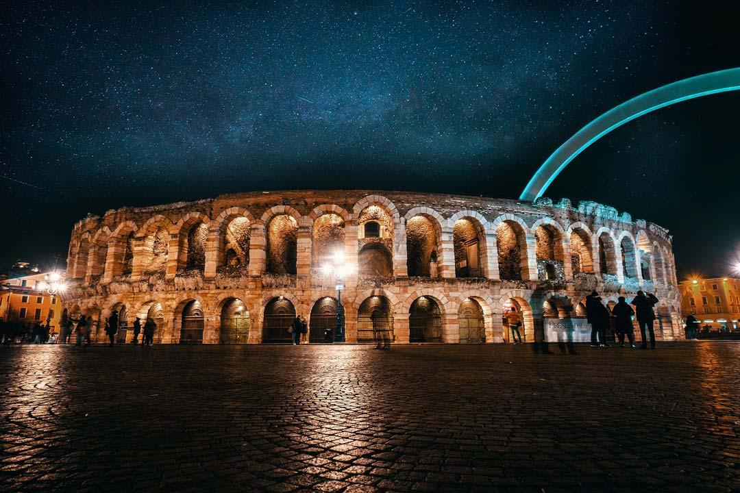 italian-landmarks-verona-arena-at-night