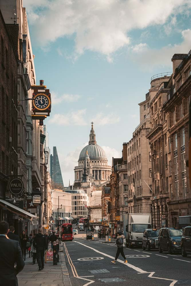 london-street-around-sunset-with-st-paul-cathedral-in-the-back