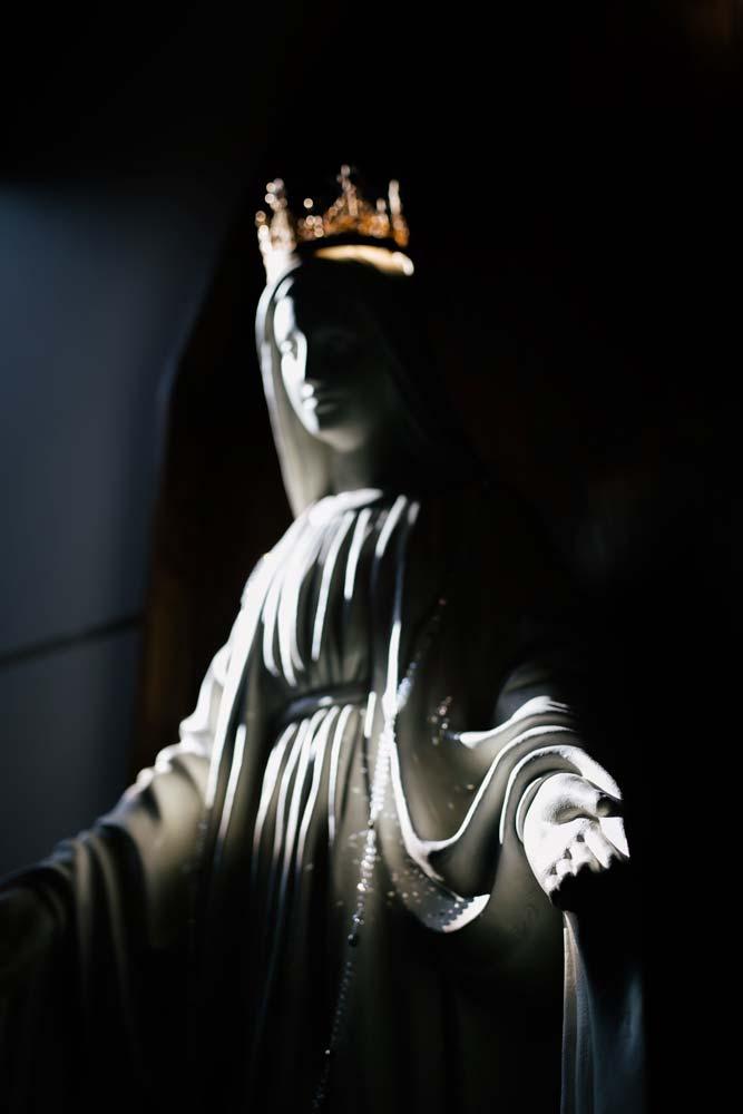 half-lit-statue-of-virgin-marry
