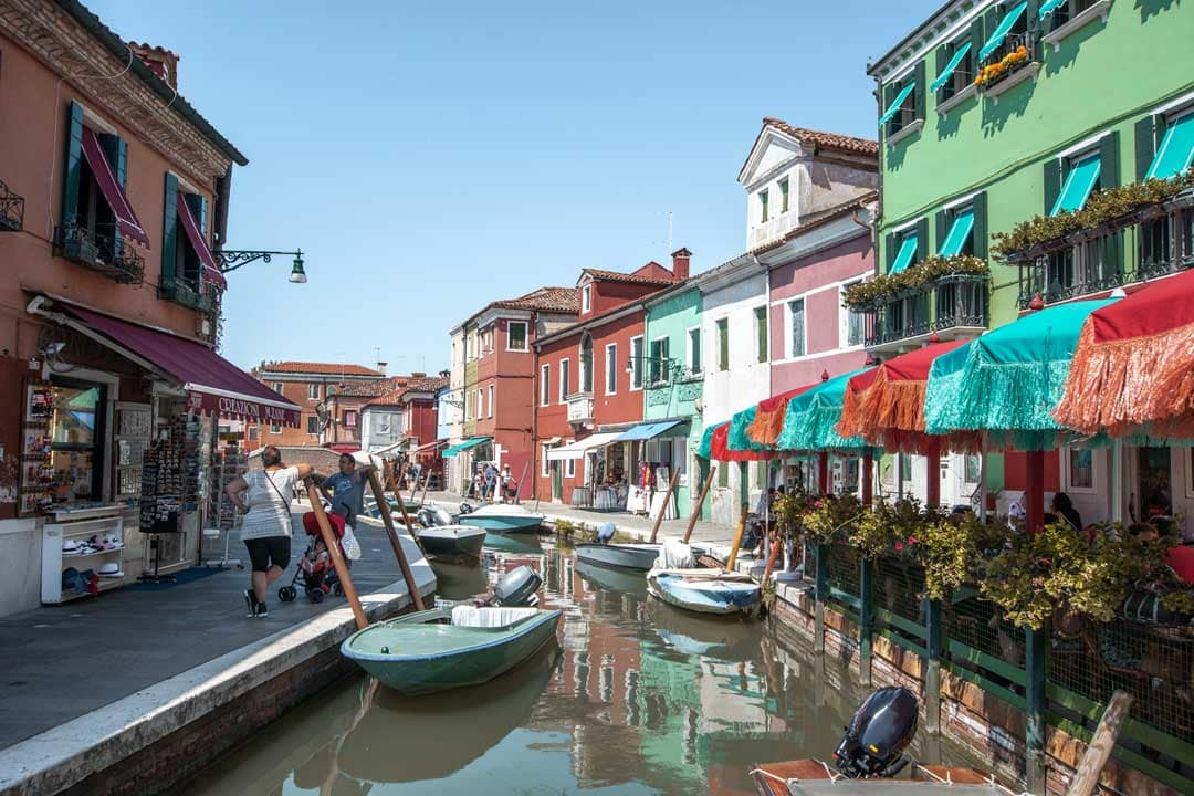 3-days-in-venice-colorful-burano-buildings