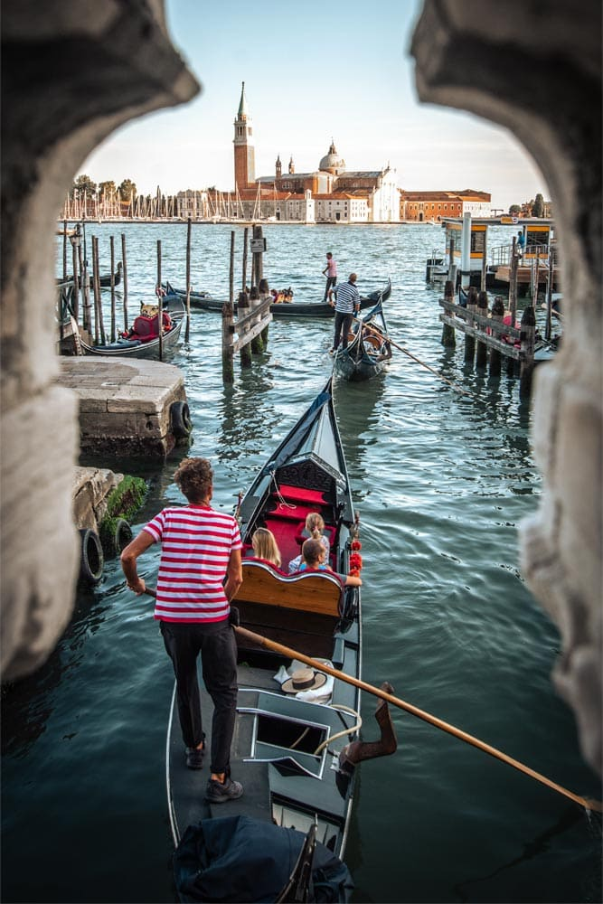 three-day-venice-itinerary-family-inside-a-gondola-going-to-the-grand-canal