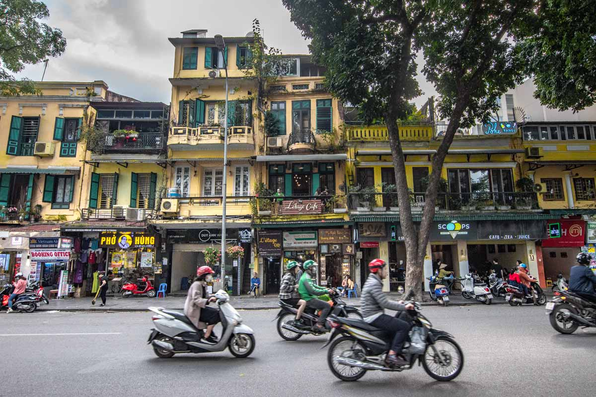 Hanoi photos - your average Hanoi street